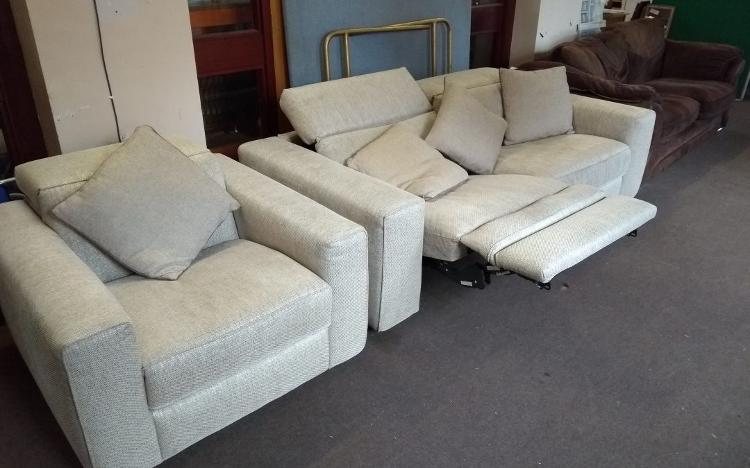 Natuzzi 2 piece electric reclyner